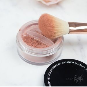 Studio Makeup Lumious Loose Blush